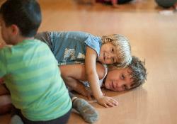 kids_yoga_en_familia2