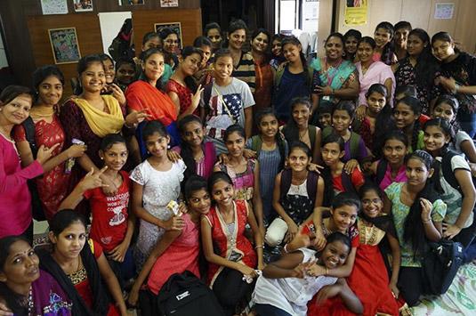 Life skills empowerment sonrisas de bombay for Oficina 2100 caixabank