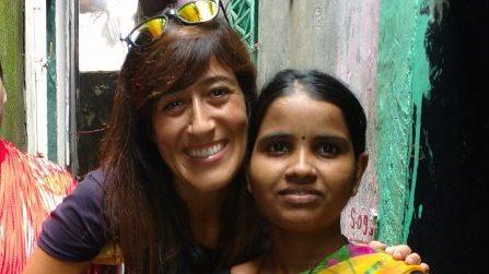 Dos mujeres sonrientes